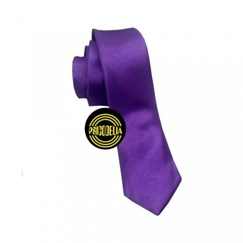 Corbata de raso violeta